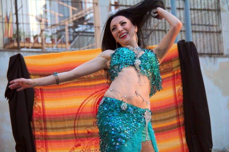 Danza oriental de Alina Babayan en la 3a Hafla de Solsticio de verano