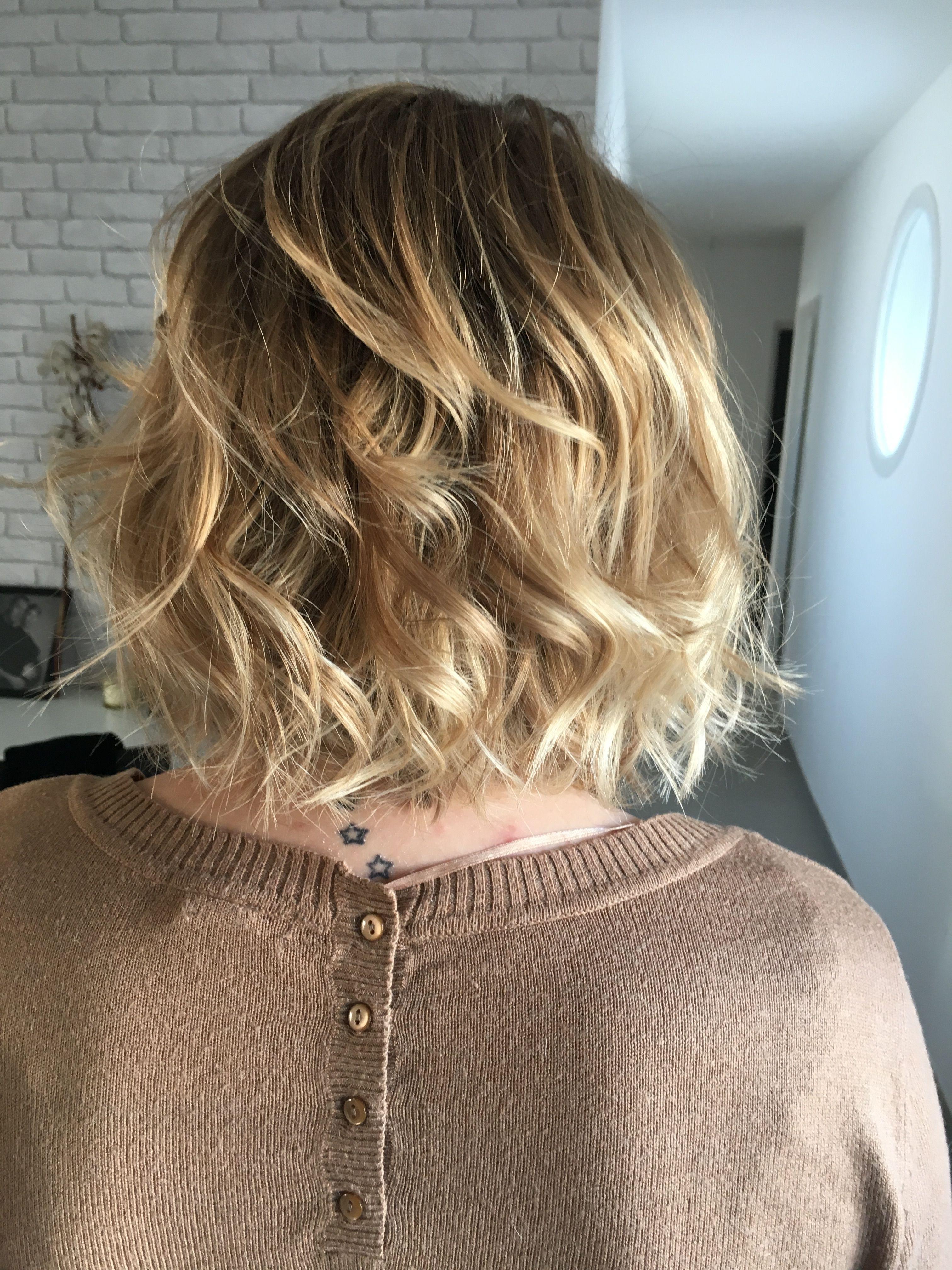 nouvelle coupe: balayage blond sur une coupe carré #ombrehair
