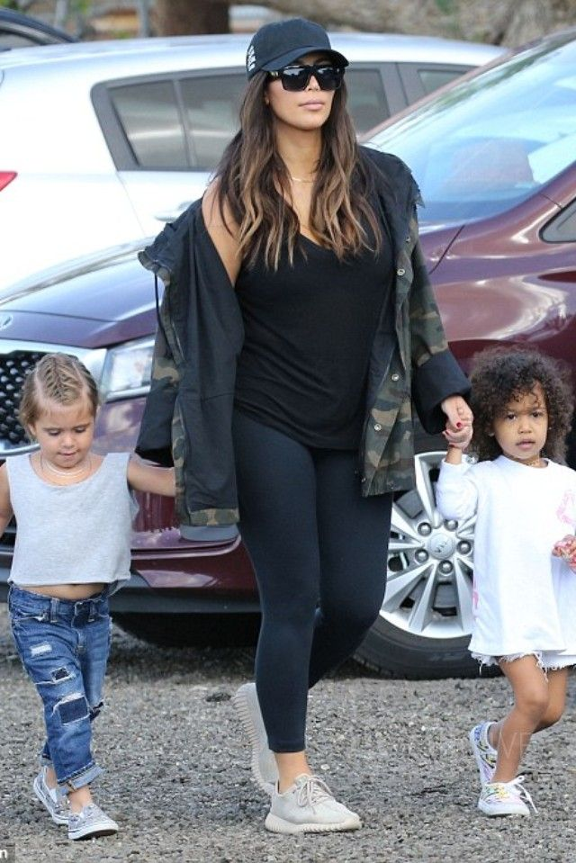 e0cfb4ddb484d Adidas Shoes in 2019 | Fall/Winter Outfits | Fashion, Kim kardashian ...
