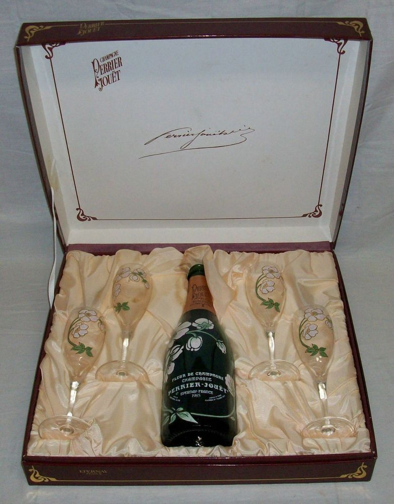 Vintage Perrier Jouet Boxed Champagne Gift Set 4 Matching Glasses Empty Bottle