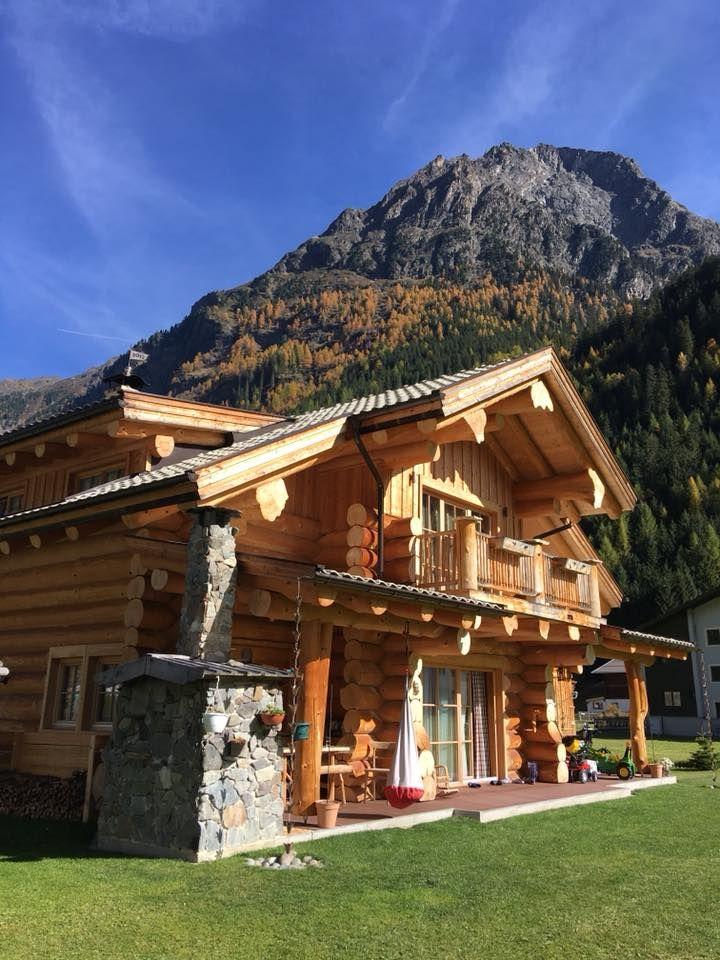 Kanadisches Blockhaus dieses naturstammhaus im tiroler kaunertal wirkt fast schon kitschig
