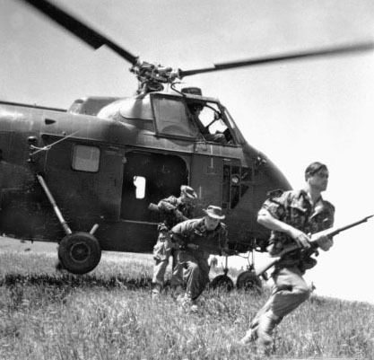 French troops disembarking from a Sikorsky H34 helicopter in Algeria