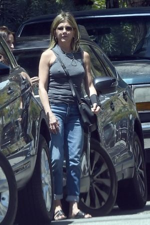Pin by Reg Dal # Collections on Jennifer Aniston # in 2020