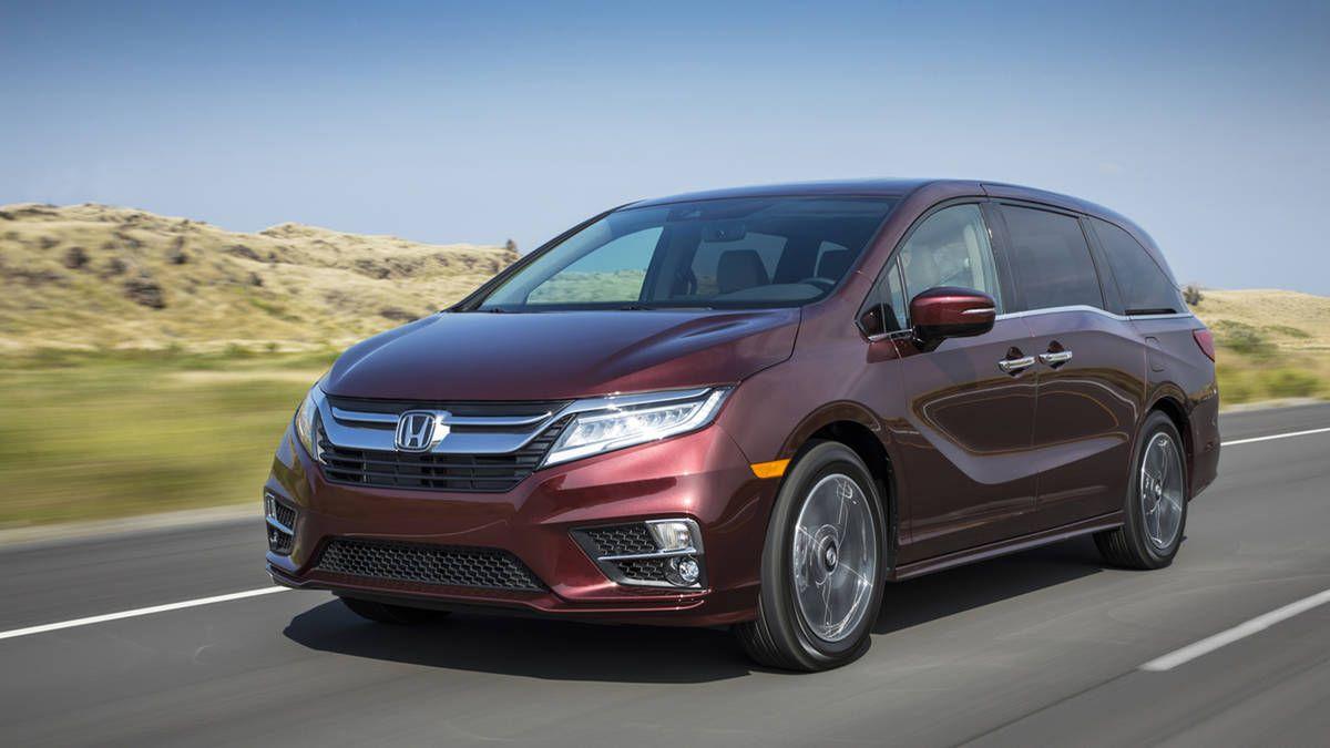 2018 Honda Odyssey Review More Features Better Looks And A 10 Speed Automatic Honda Odyssey Honda Odyssey Reviews Honda