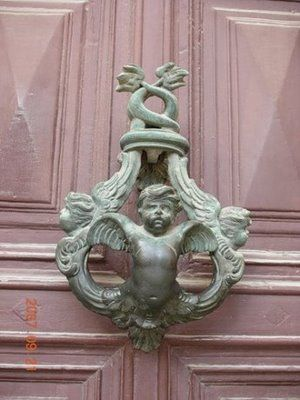 40 unusually creative external door handles | Curious, Funny Photos / Pictures  2.bpblogspot.com