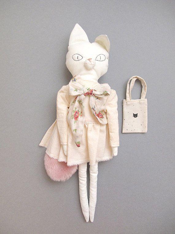 Poupée Mimi le chat et sa petite robe par lucillemichieli sur Etsy