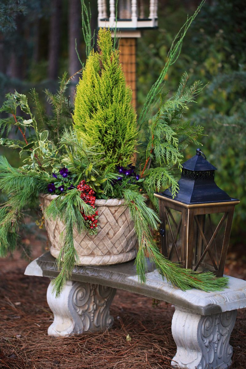 ideas for outside decorations | holiday decorations | Pinterest ...