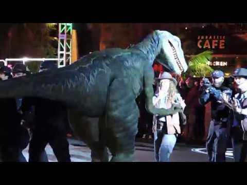 Blue from Jurassic World Escapes Containment During Jurassic Park 25th... #jurassicparkworld Blue from Jurassic World Escapes Containment During Jurassic Park 25th... #jurassicparkworld