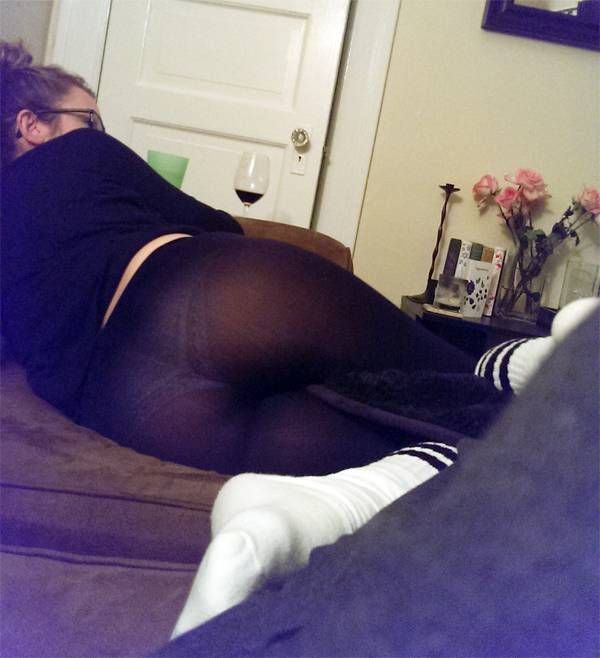 girls in yoga pants reddit