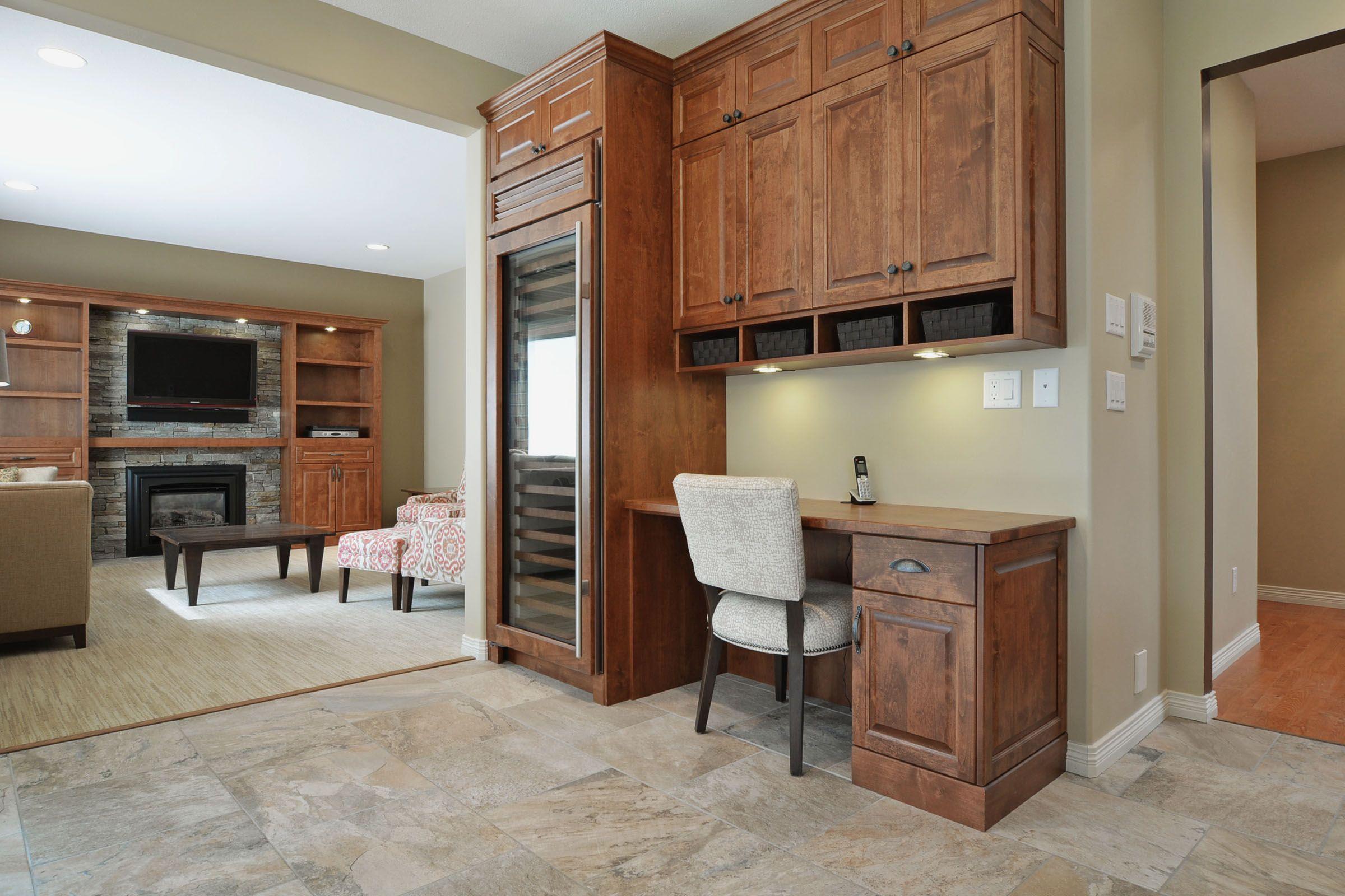 14476 30A Avenue, South Surrey, BC | Birch cabinets ...