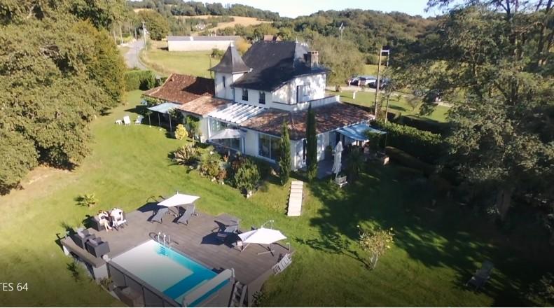 Chambre D Hotes Villa Les Pins Reference G423015 A Baigts De Bearn Piscine Familiale Gite De France Terrasse