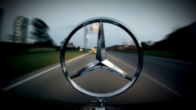Mercedes Benz Logo Emblem The Loveliest Thing To Have On Your Bonnet Mercedes Benz Logo Mercedes Benz Mercedes