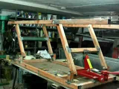 Motorcycle lift table youtube motorcycle table for Ponte alzamoto