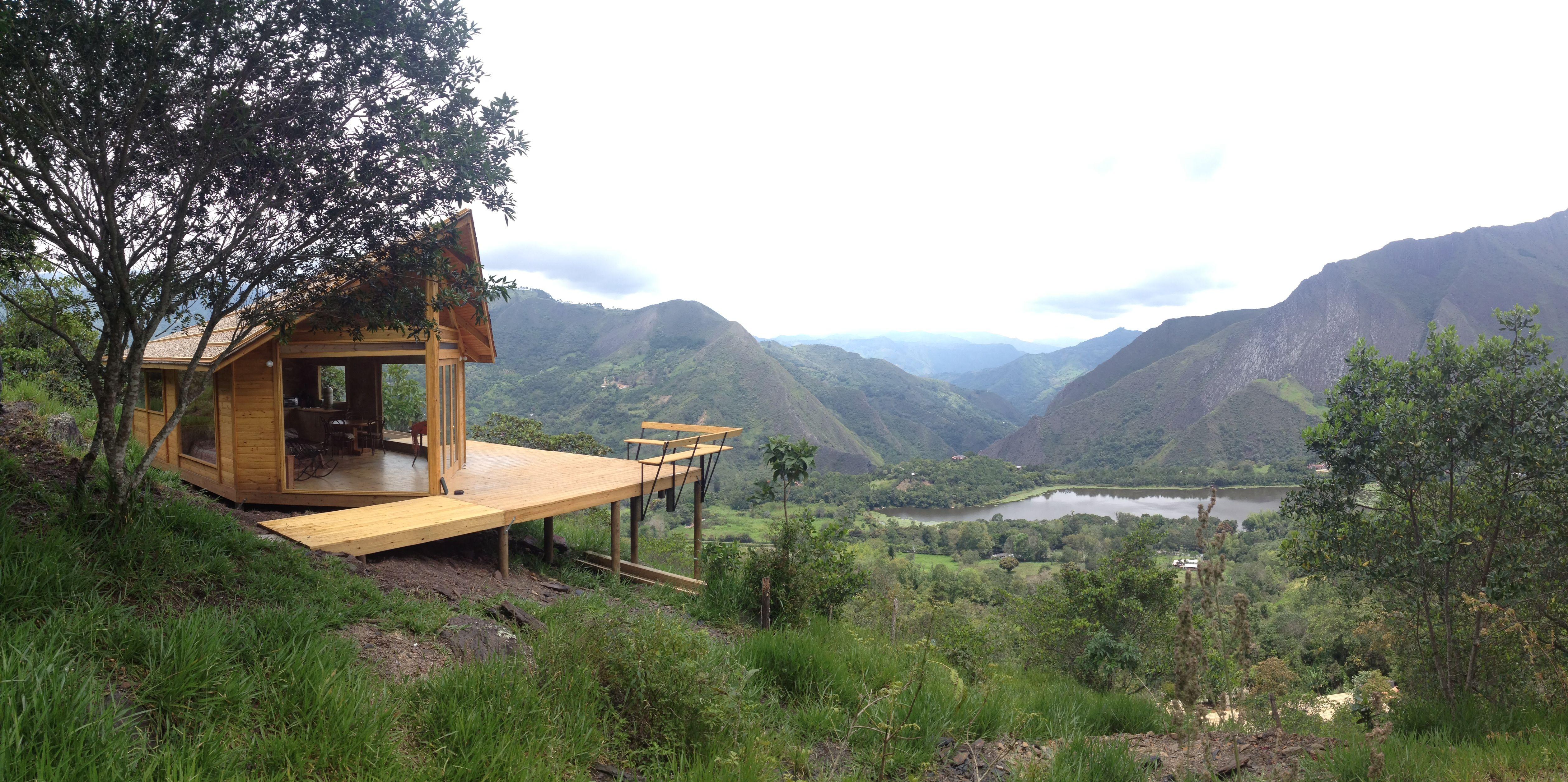 Refugio en madera - Pacho, colombia TDE #woodarchitecture #wood #madera #casasenmadera #arquitecturaenmadera http://www.tallerdensamble.com