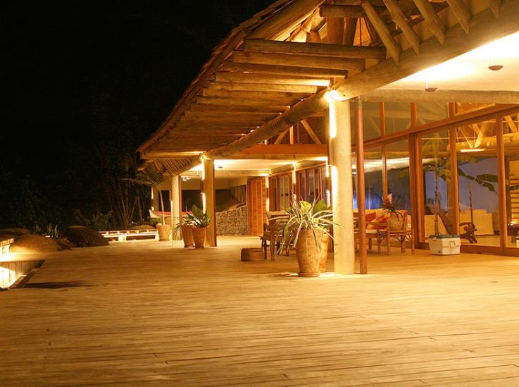 Isle Esme House Confirmed Edward And Bella S Love Nest Island House Honeymoon House House