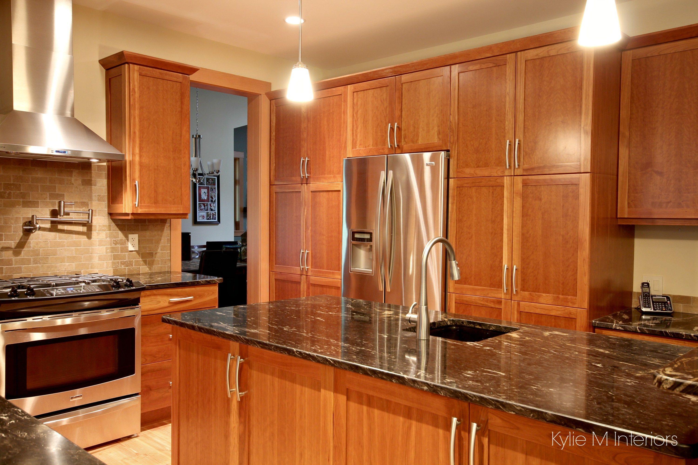 Best A Beautiful Wood And Granite Kitchen Design Honey Oak 400 x 300