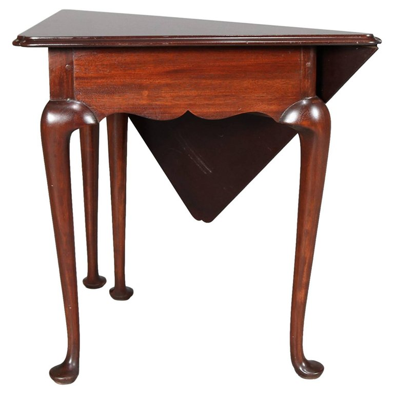 Queen Anne Style Mahogany Williamsburg Colonial Napkin Table By