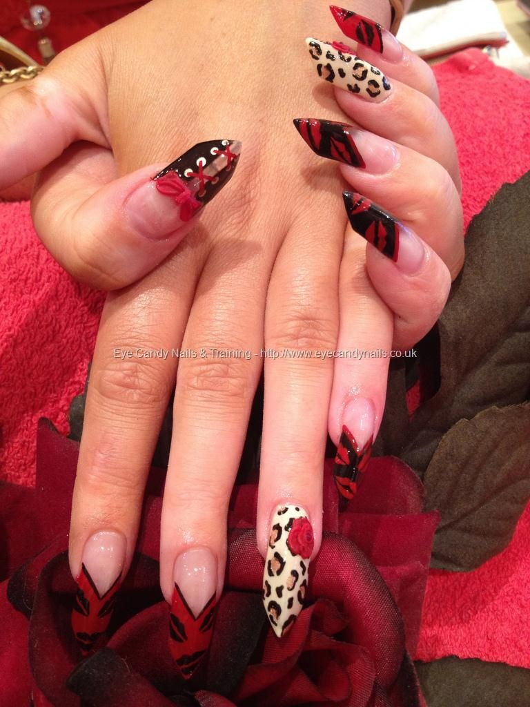 Freehand nail art with 3D bows and 3D flowers Not a fan of the ...