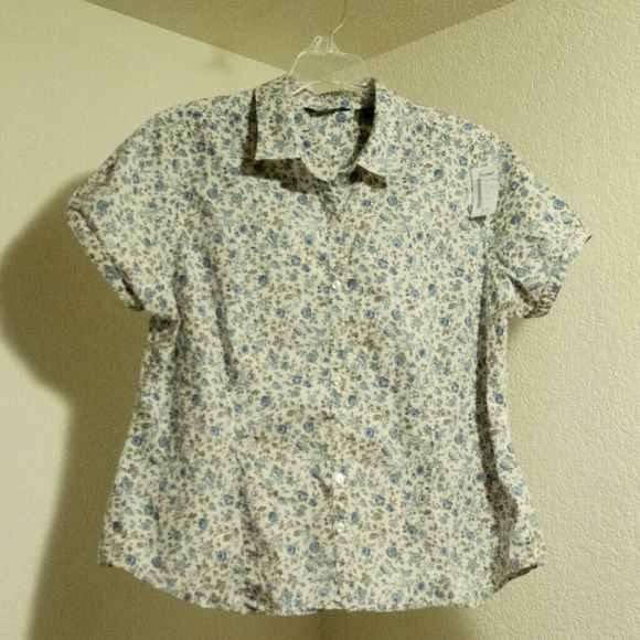 Flower print button up blouse Flower print button up blouse, second hand store with tag Eddie Bauer Tops Button Down Shirts