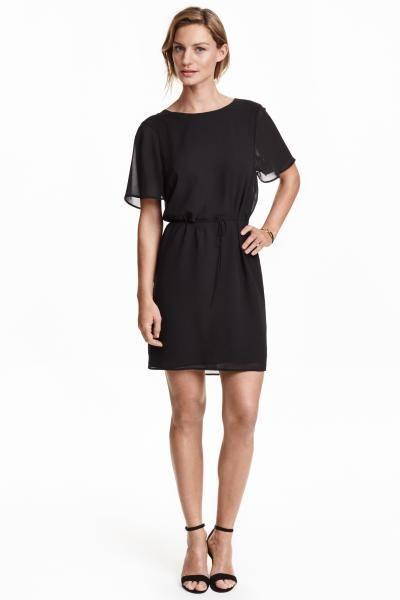 8aa7cca43e4f8a Chiffon jurk  Een korte