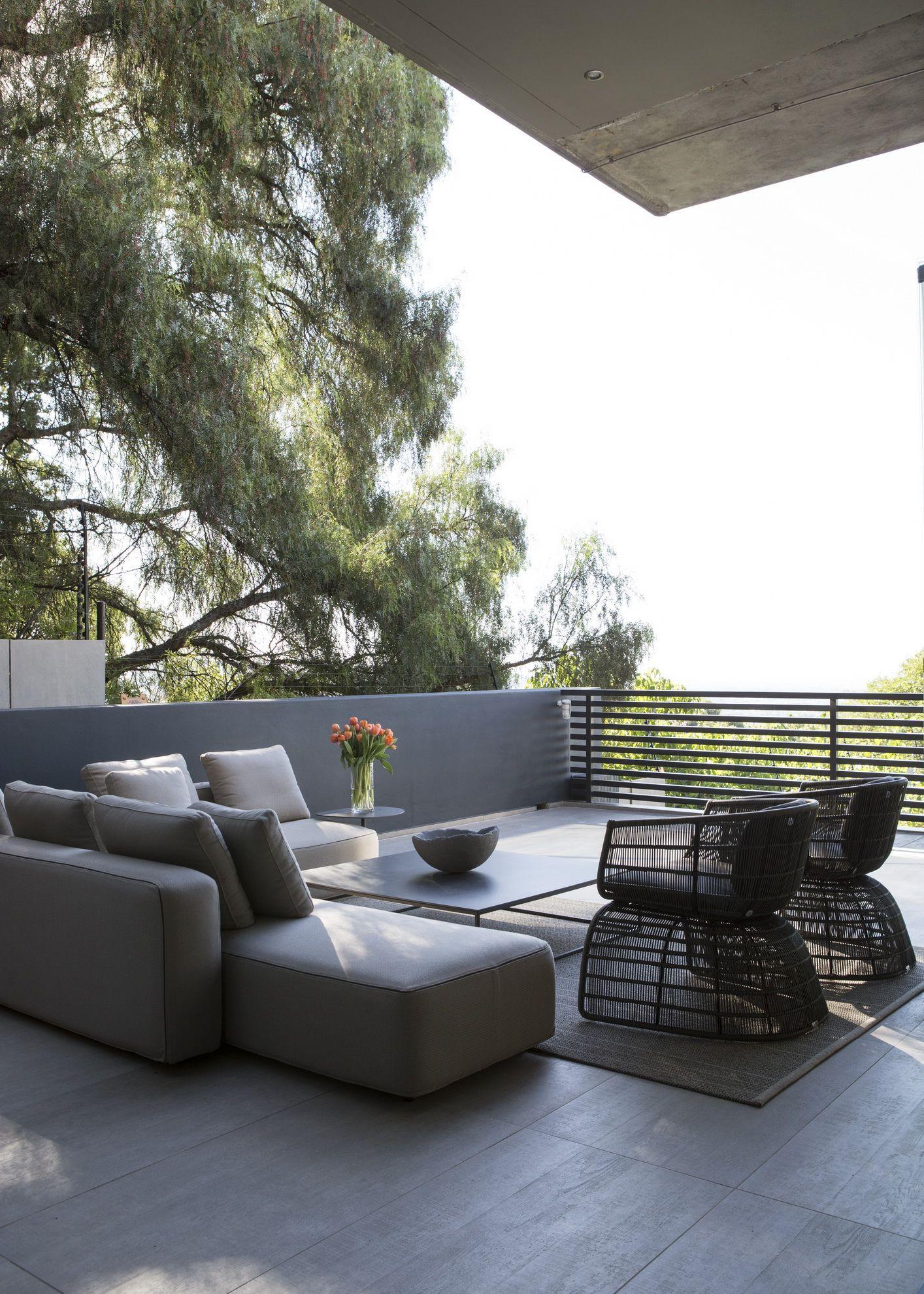 Concrete House | Outdoor Entertainment | Nico van der Meulen Architects #Design #Furniture #Outside #Contemporary