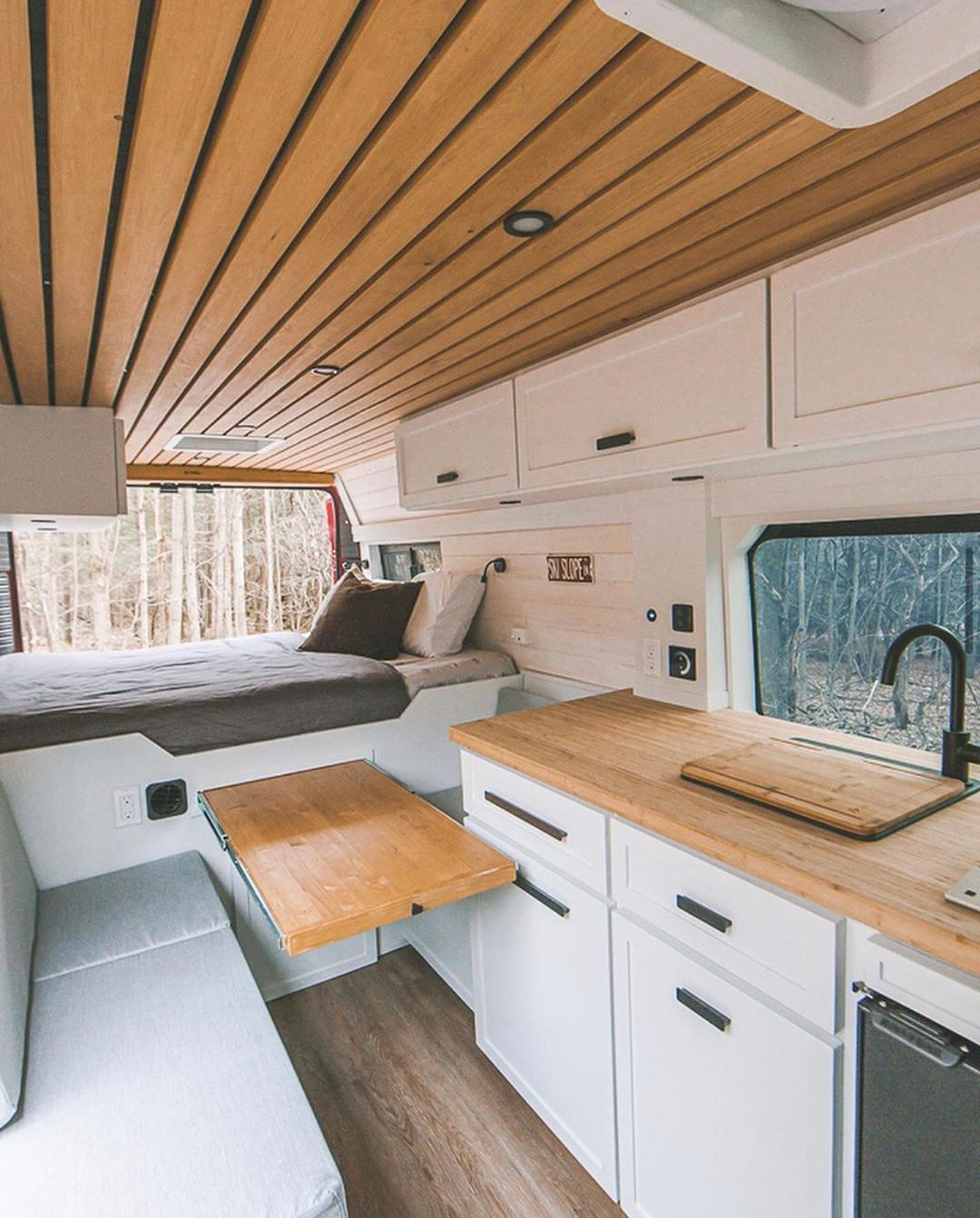 """Photo of Vanlife Living on Instagram: """"Rate this van conversion from 1-10!😍 Follow @vanlife.living for more!💛 • • 📸 @vanlife.sagas"""""""