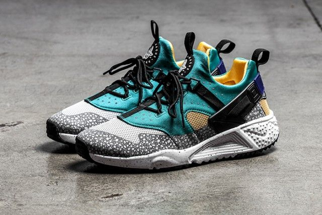 NIKE AIR HUARACHE UTILITY (EMERALD GREEN)