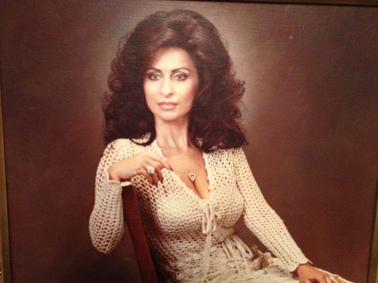 Classify 2 Sicilian Women Very Beautiful Sicilian Women