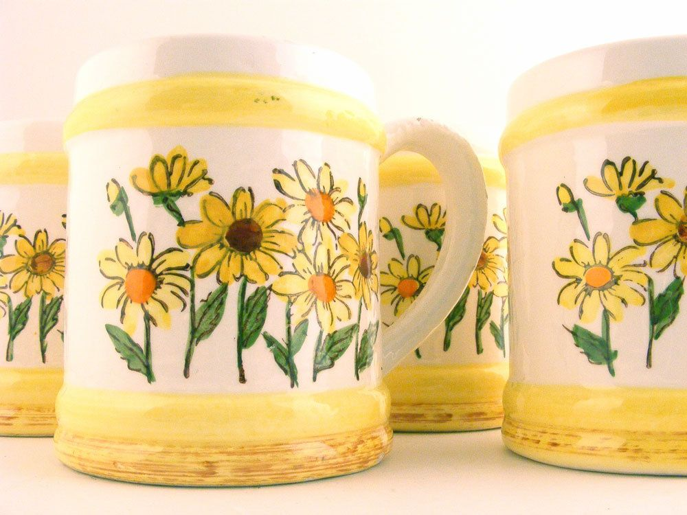 Vintage Daisy Coffee Mugs Sears Yellow Flowers Set of 4