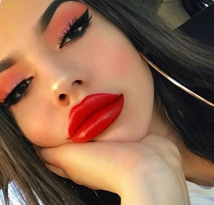 Red lipstick fetish photos