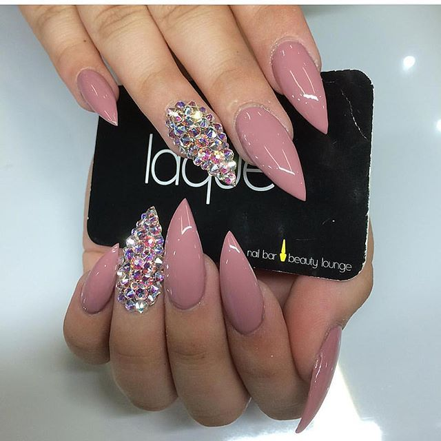 Stiletto nails @KortenStEiN
