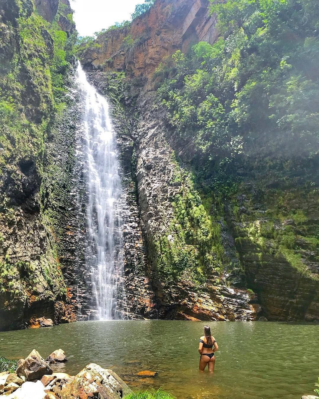 Trilheira Julianavignola Na Cachoeira Do Segredo Chapada Dos