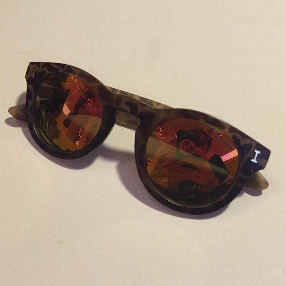 Illesteva mirrored sunglasses Price reflects authenticity Illesteva Accessories Sunglasses