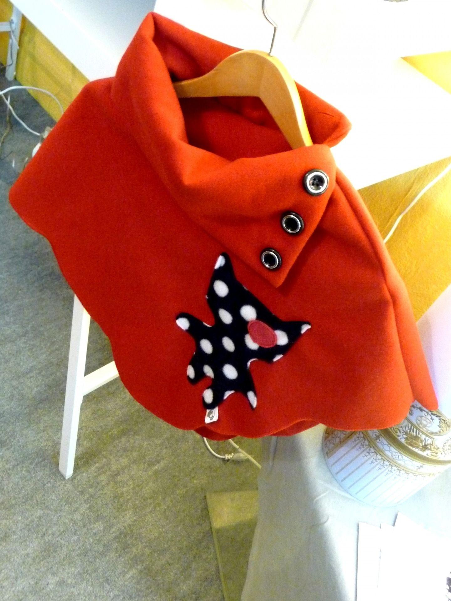 mode-enfants-poncho-enfant-en-polaire-rouge-et-c-926319-p1040246 ...