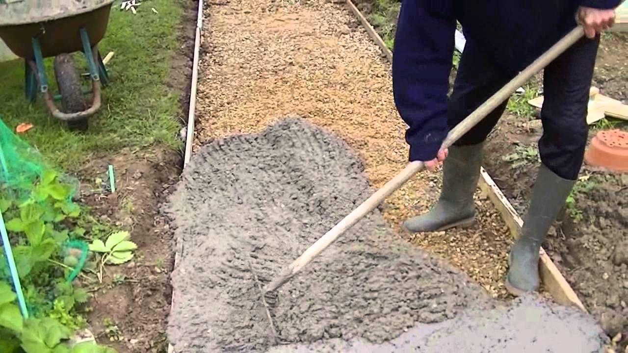 comment faire une dalle en béton - coulé une dalle en béton ... - Comment Faire Une Dalle De Beton Pour Garage
