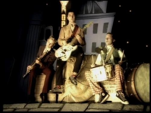 """Green Day - """"Hitchin' a Ride"""""""