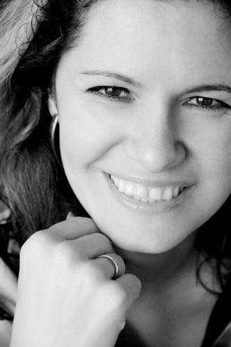 maria genova  @genova2 FOLLOWS YOU  Journalist en schrijver van o.a. 'Vrouwen te koop', vervolg op de bestseller 'Man is stoer, vrouw is hoer'. Spreker, manuscriptbeoordelaar, vrolijk en sociaal  Noord-Holland · http://www.mariagenova.nl