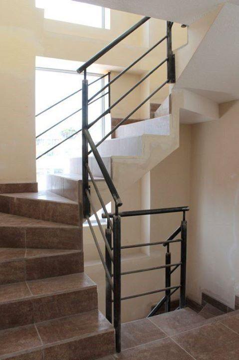 Pasamano interior instalado en gradas de casa #Alexina2 #Cerrajeria ...