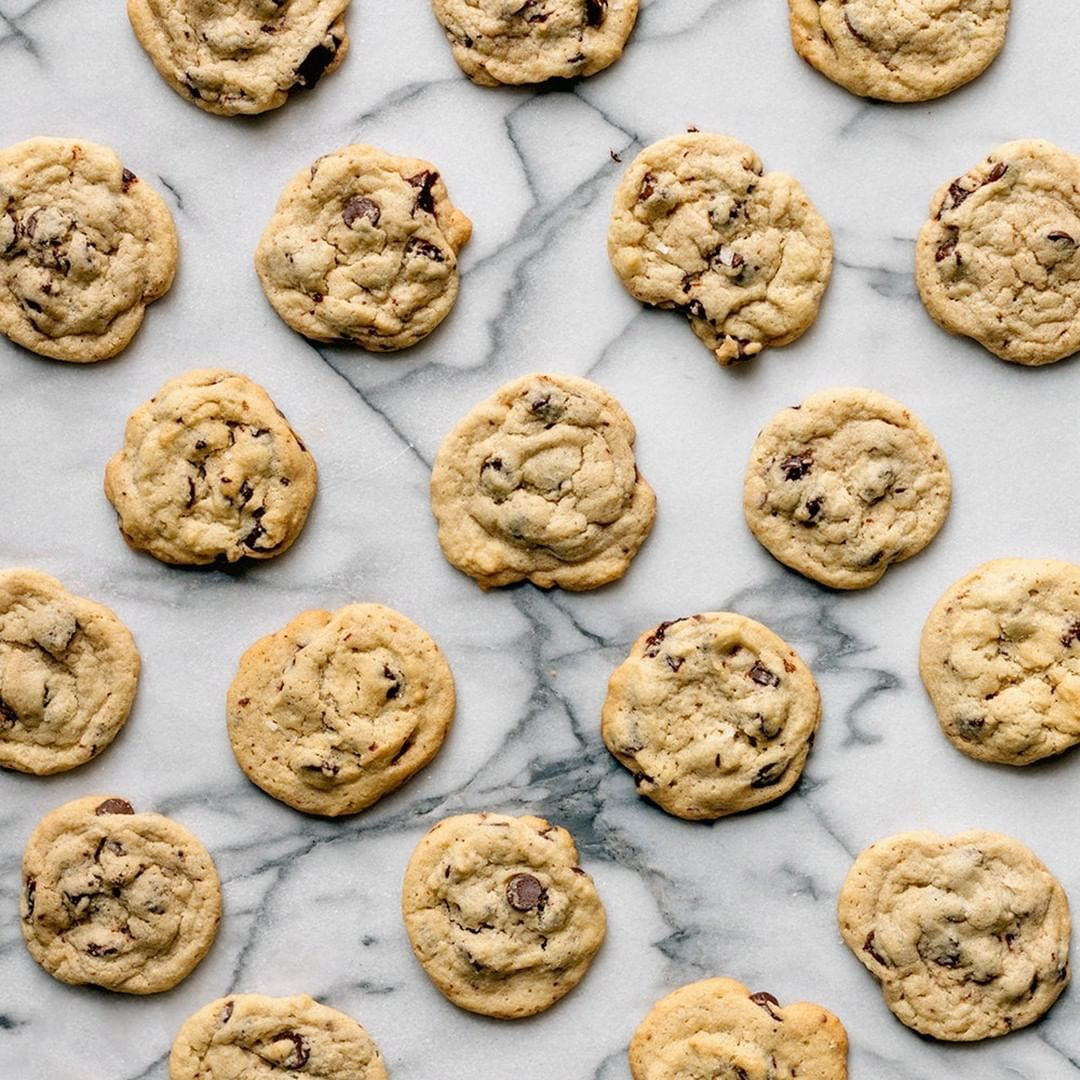 With gluten or without? It's so hard to tell the difference with our Better Batt - With gluten or without? It's so hard to tell the difference with our Better Batter! Whether it's a Toll House recipe, Crisco recipe, your mom's old recipe.... it just works! . . . #betterbatter #betterbattergf #glutenfree #allergyfriendly #nonGMO #baking #flouralternative #bakersofinstagram #bakestagram #instagood #foodie #yummy #goodeats #hungry #cleaneating #healthyeating #foodlovers #foodstagram #eatwell #