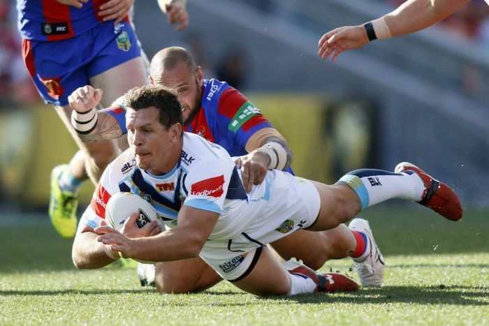Hayne suffers head knock as Gold Coast defeat struggling Knights ... ~♥~ ... Email    Jarryd Hayne suffers head knock as Gold Coast continue Knights' misery          Posted             August 20, 2016 17:33:43                                                                                                          Photo:        Hayne was forced from the field in the... ..  - #Sport ... ~♥~ SEE More :└▶ └▶ http://www.pouted.com/trends/popular-trends/sport/hayne