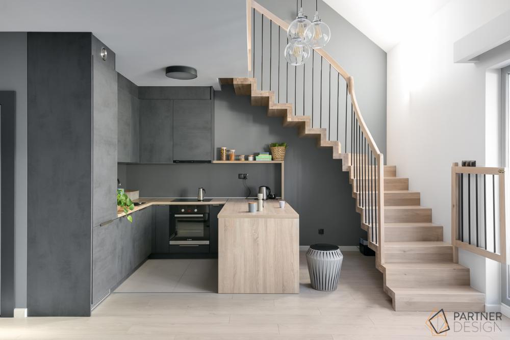Kuchnia Na Poddaszu Wykorzystanie Przestrzeni Wybor Plytek I Oswietlenia Ih Internity Home Home House House Design