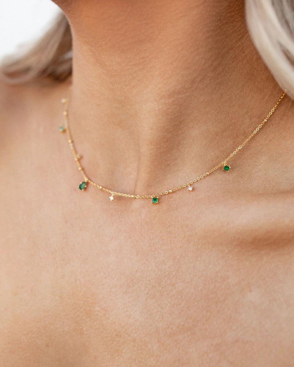 Photo of Elysee Smaragd Halskette