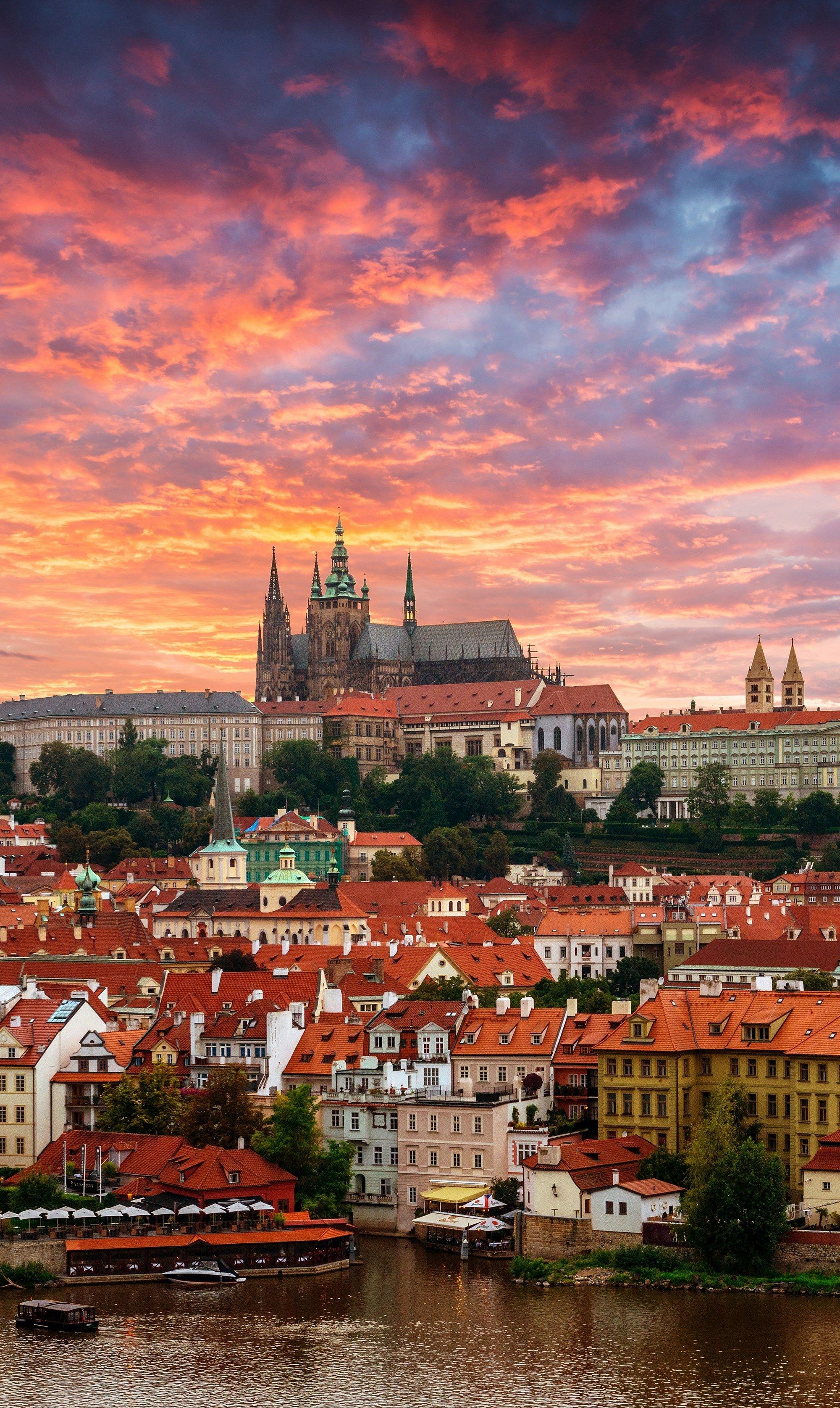 Viajar A Praga Es Conocer Una De Las Ciudades Más Románticas De Europa Viaje A Europa Visitar Praga Viajes