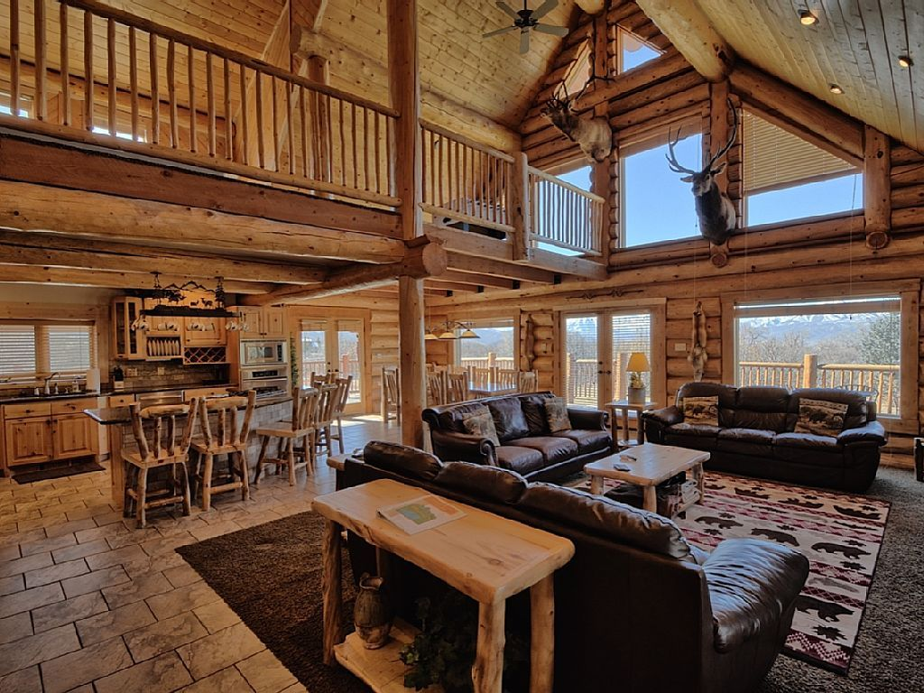 Lovely 5000 Sq Ft Log Cabin, 7 BR, Sleeps Up To 40   VRBO