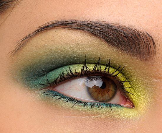 Make Up For Ever Artist Shadow - Greens and Blues look