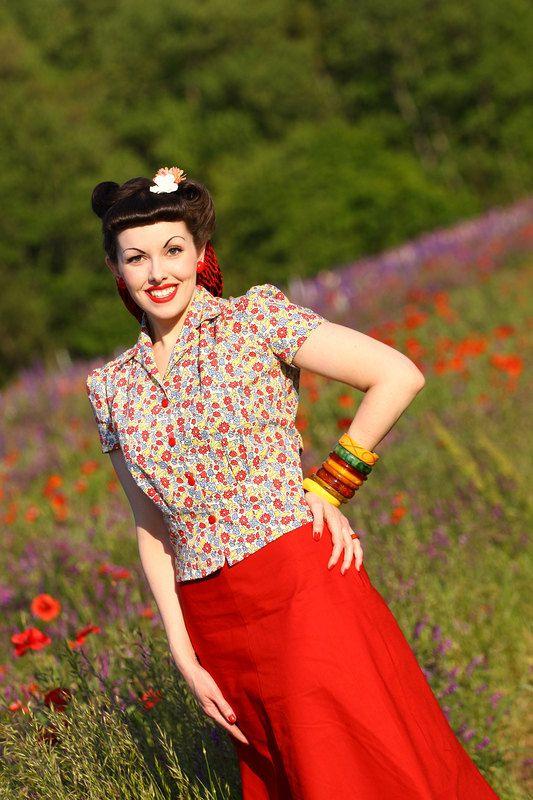 Vintage Blouse 40's Style Roseway Floral Cotton by Jitterbuggin,