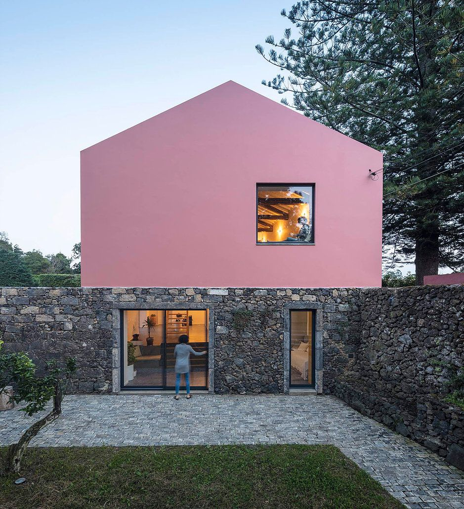 Pink House – Dream Guesthouse in Açores | Taste of Portugal ...