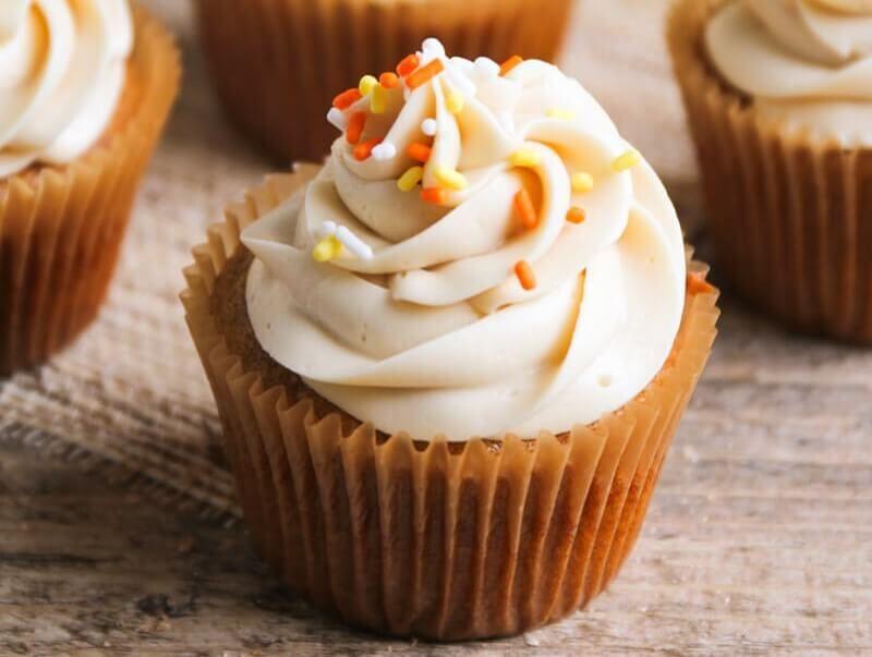 Easy Pumpkin Spice Cupcakes - I Heart Naptime
