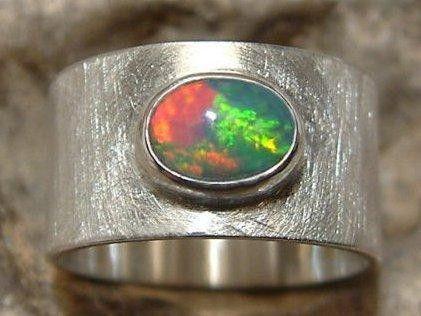 Weiteres Breiter Silber Ring Mit Traum Opal Ein Designerstück Von Kunstschmiede De
