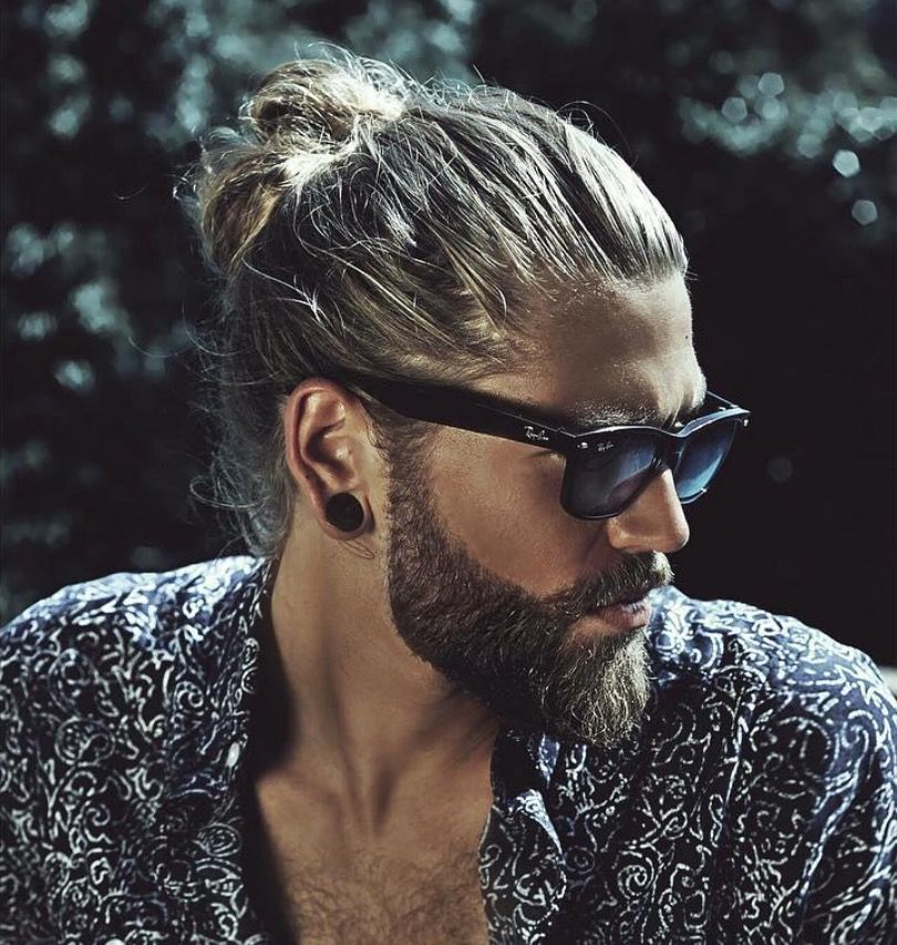 A manbun with a furry face...what's hotter